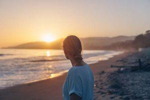 woman in an outpatient drug rehab near La Jolla CA